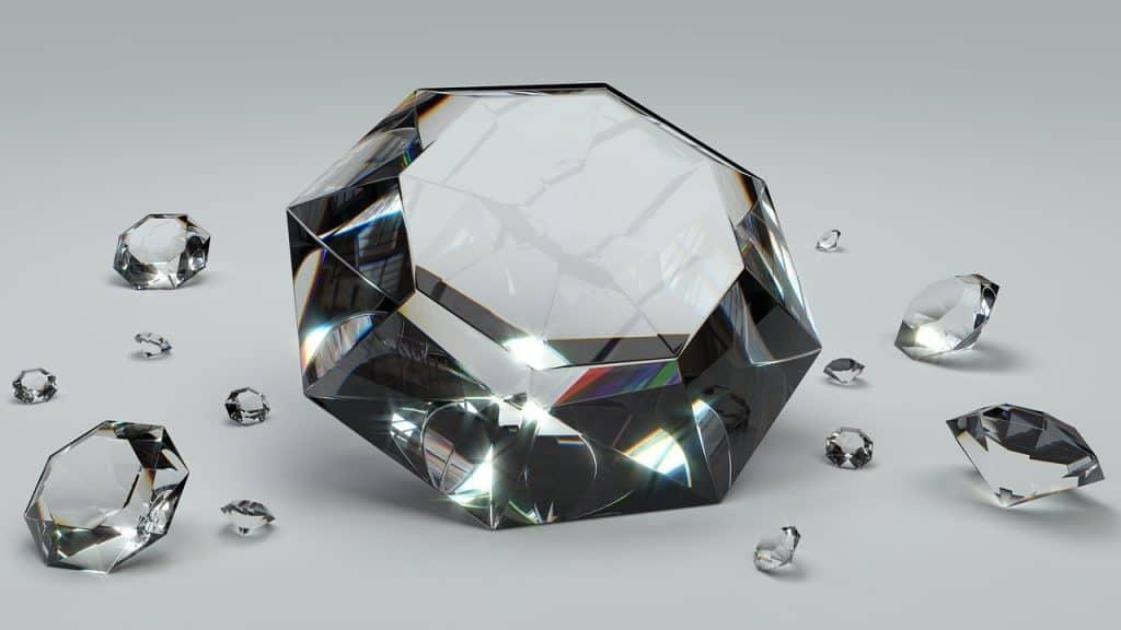 יהלומים שקופים ונוצצים